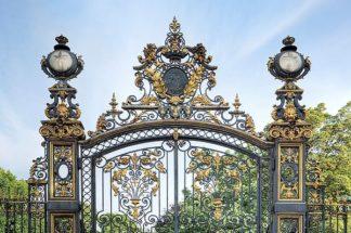 B3423D - Blaustein, Alan - Park Monceau Gates