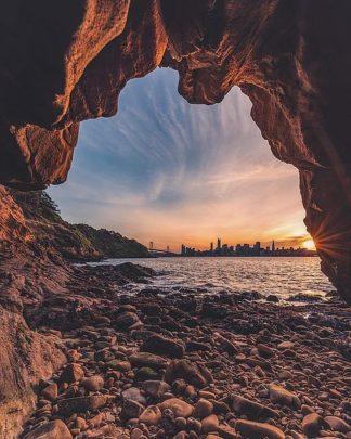 G952D - Getty, Bruce - Treasure Island Cave